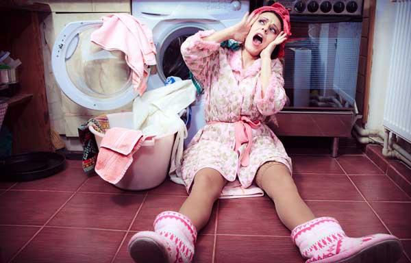 Что делать, если стиральная машина гремит при отжиме