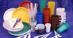 Что можно сделать из одноразовой посуды
