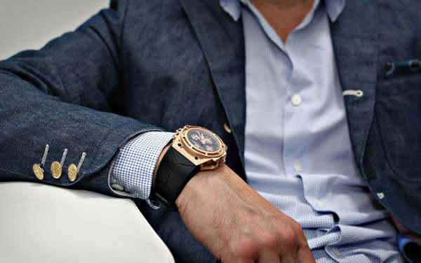 Можно ли дарить парню часы