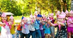 Почему важно отправлять ребенка летом в лагерь