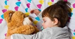 Какую лучше выбрать ребенку игрушку для сна