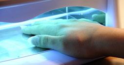 Как выбрать ультрафиолетовую лампу для ногтей