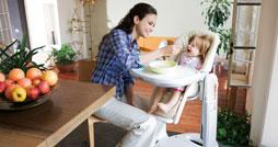 Какой выбрать стульчик для кормления ребенка