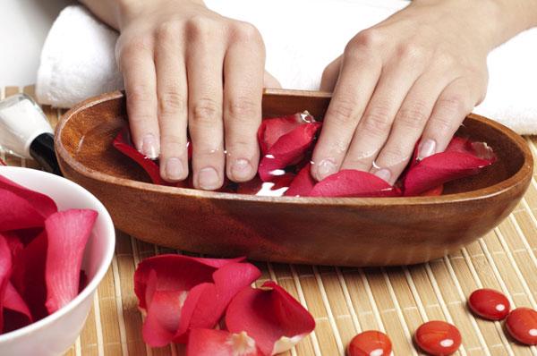 Как выбрать средство для укрепления ногтей