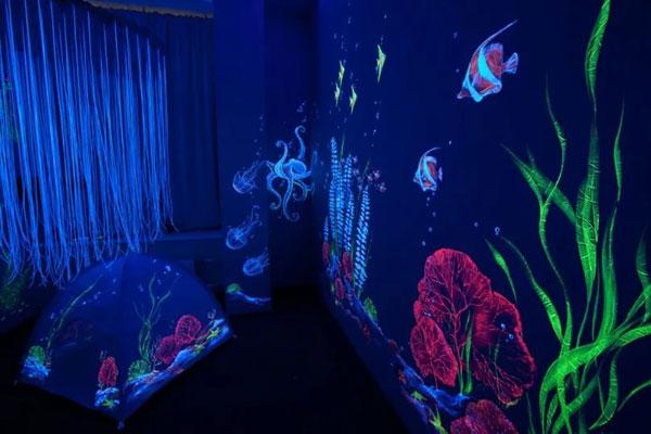 Ультрафиолетовая краска для отделки помещений